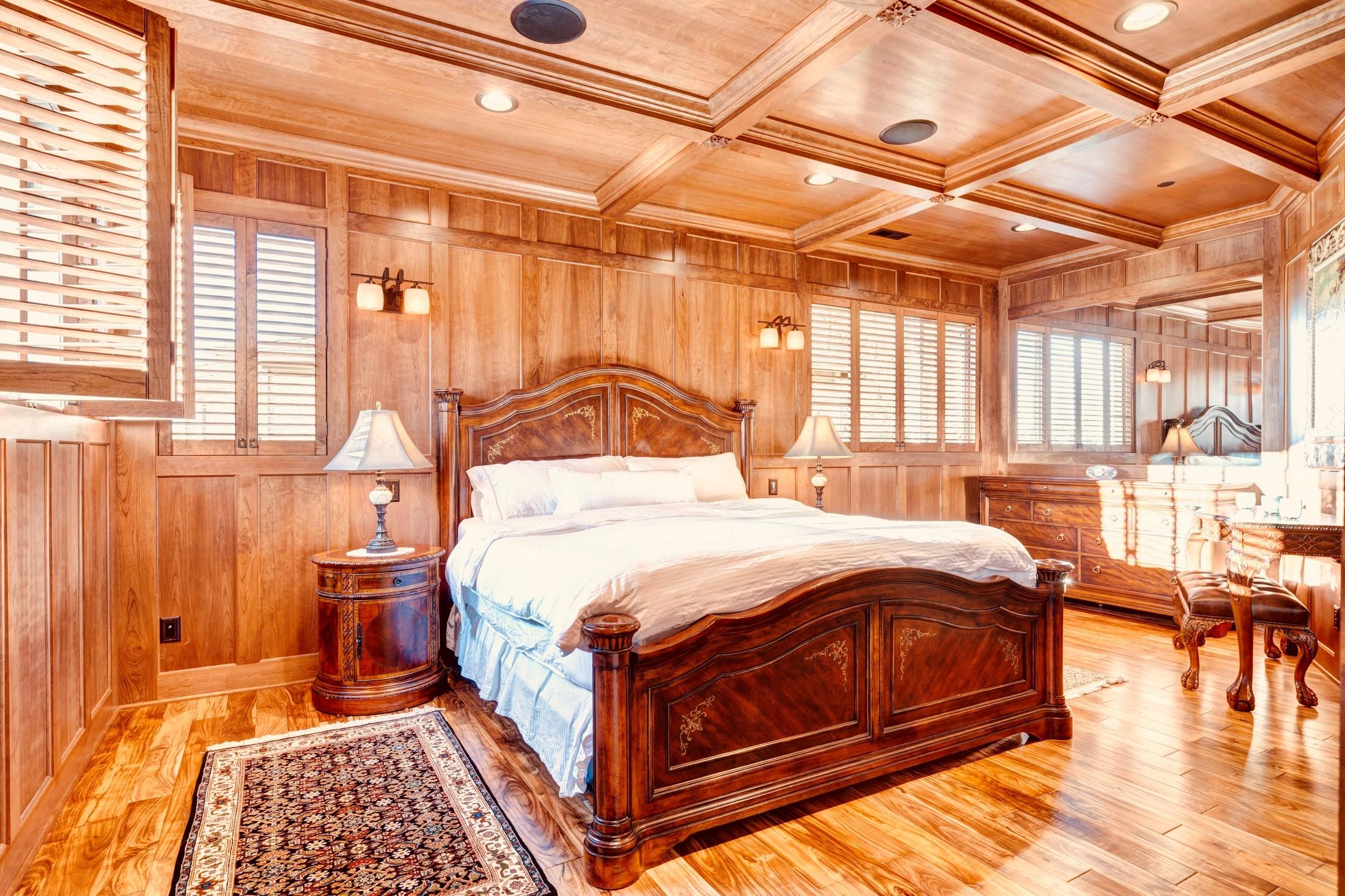 Master Bedroom 0101.jpg