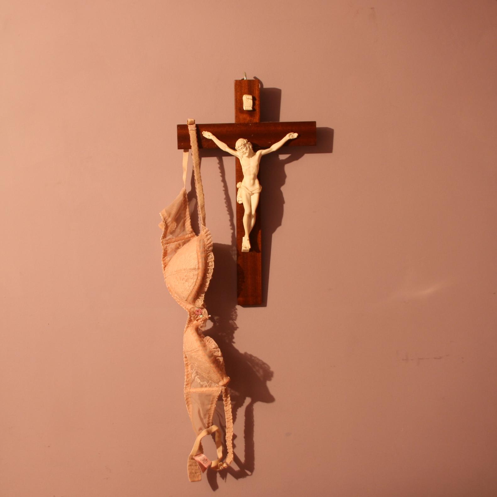 crucifixbraSHARPER.jpg