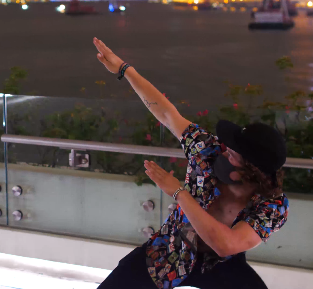 Dabs up - photo by Richard Taylor
