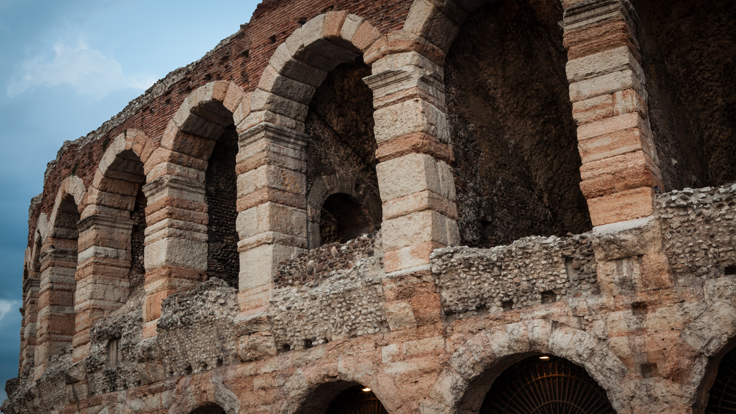 Italy : Veneto : Arena di Verona, 1st century construction at its finest