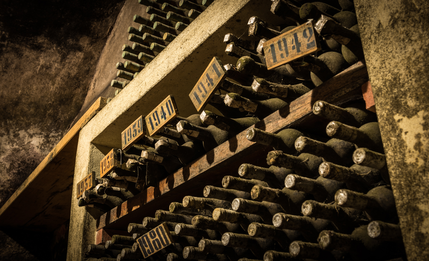 Italy : Tuscany : In the cellar at Badia a Coltibuono in Chianti Classico