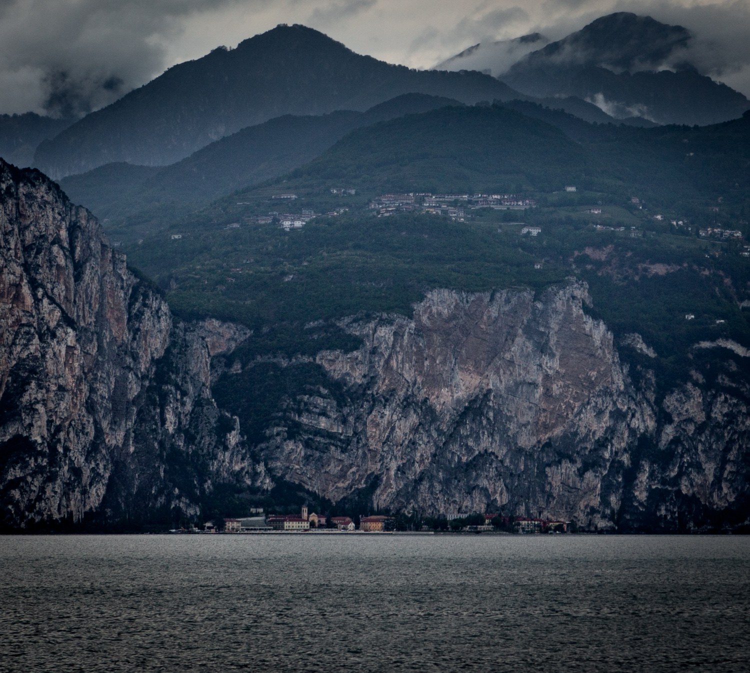 Italy : Veneto : A view across Lake Garda