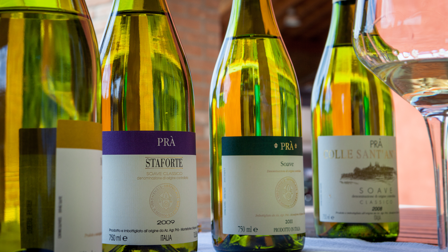 Italy : Veneto : Tasting the full lineup of Soaves at Azienda Agricola Pra, one of the zone's top producers