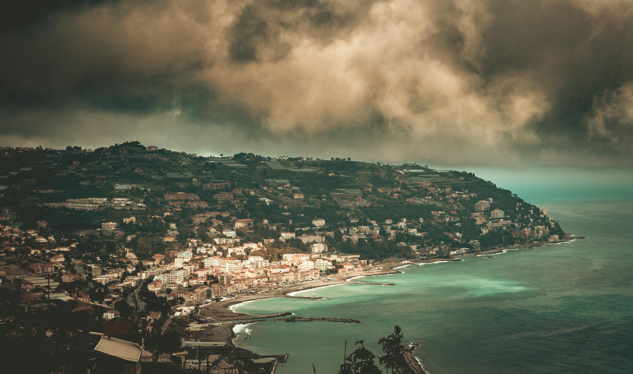 France : Provence : A view of the Ligurian coast across the Italian border