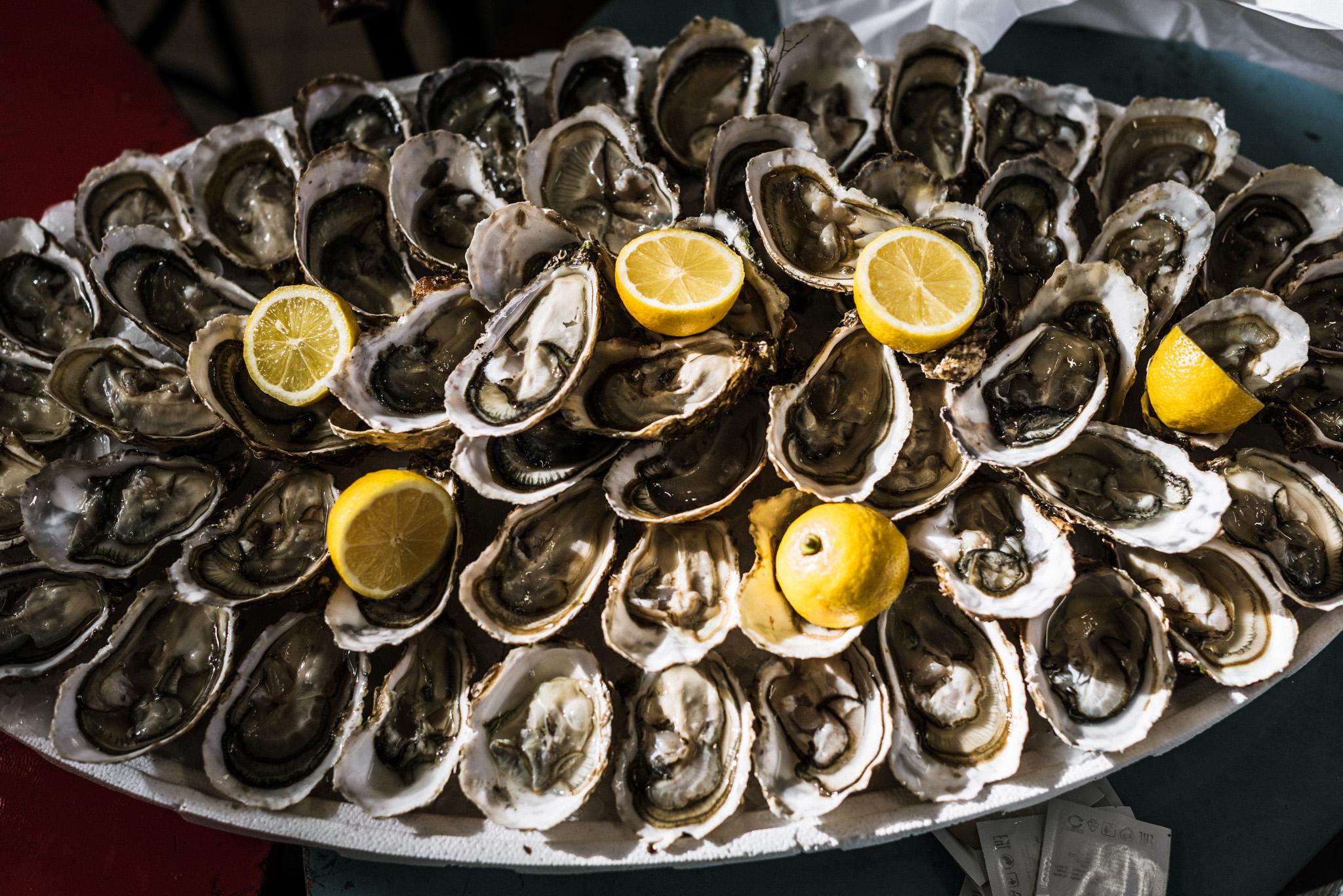 France : Languedoc : Lunchtime at Les Halles de Narbonne