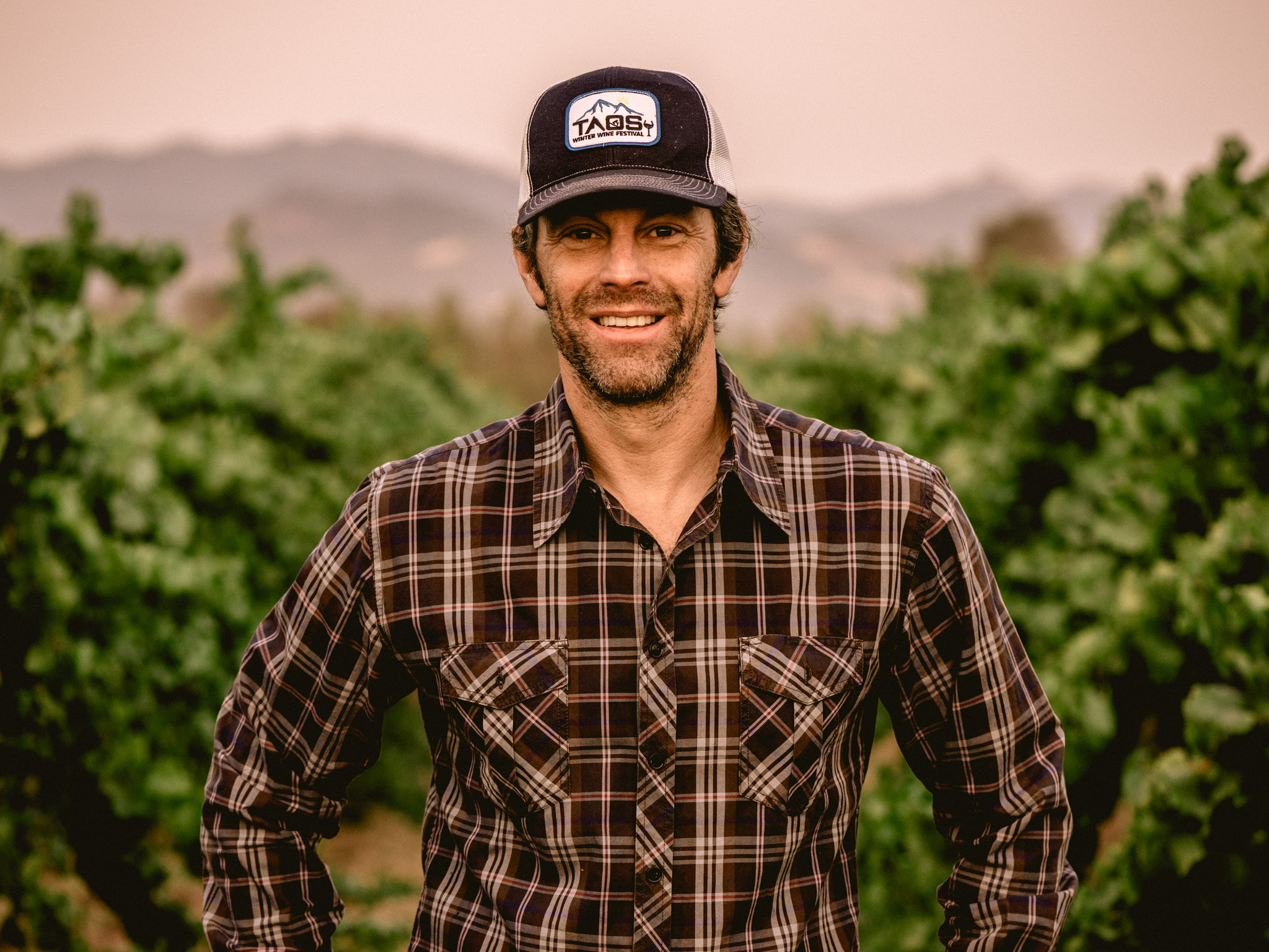 California : Mendocino : Matt Licklider of LIOCO Wine at Lolonis Vineyard during harvest