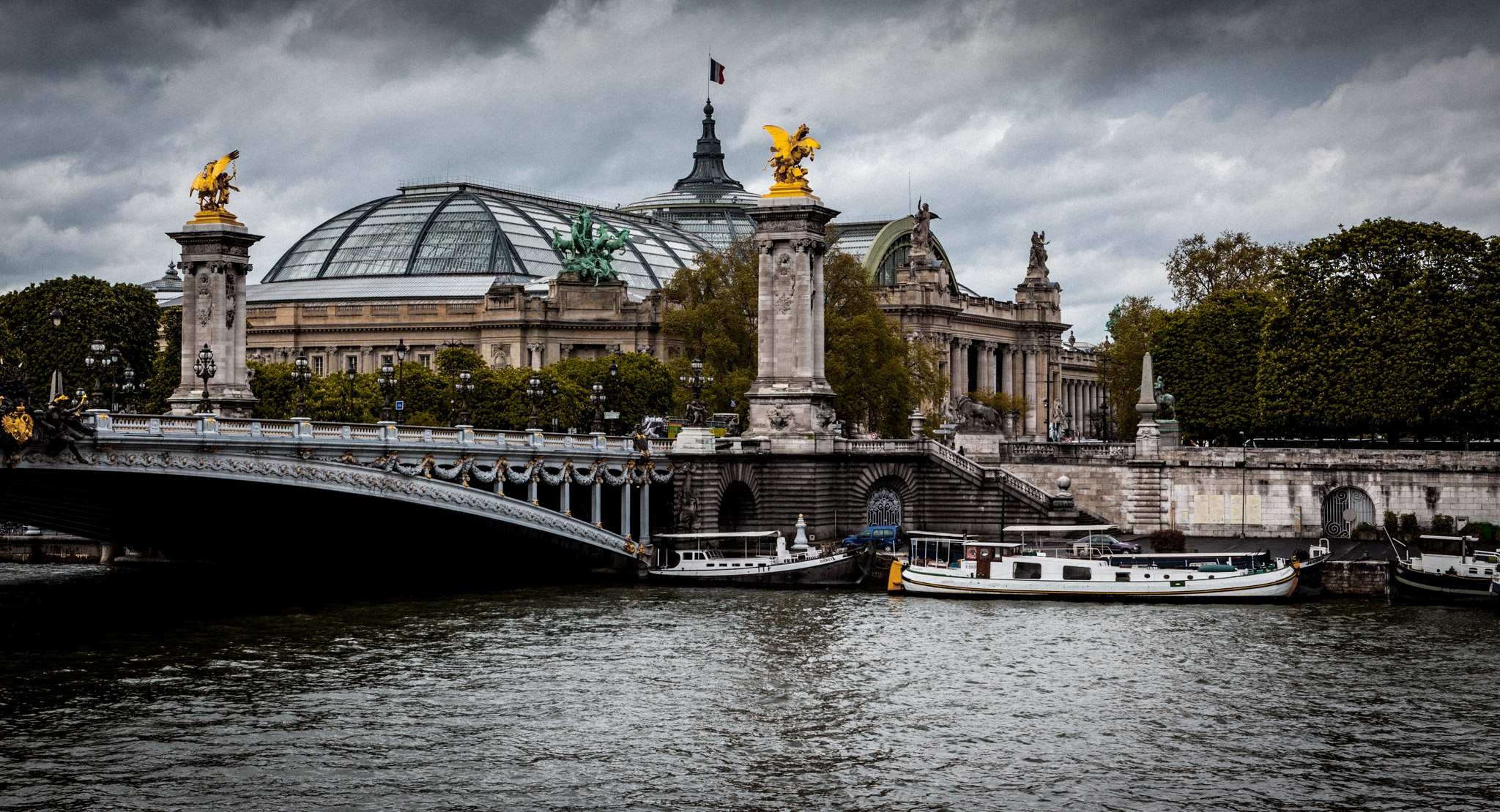 France : Paris : Grand Palais and Pont Alexandre III