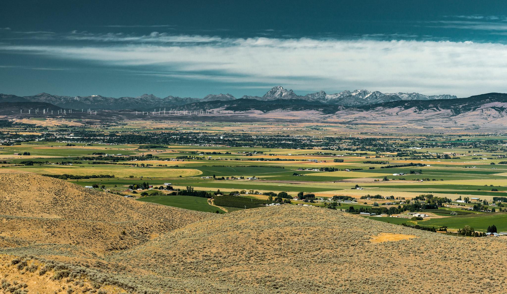 US : Washington : Columbia Valley and the Cascade Range