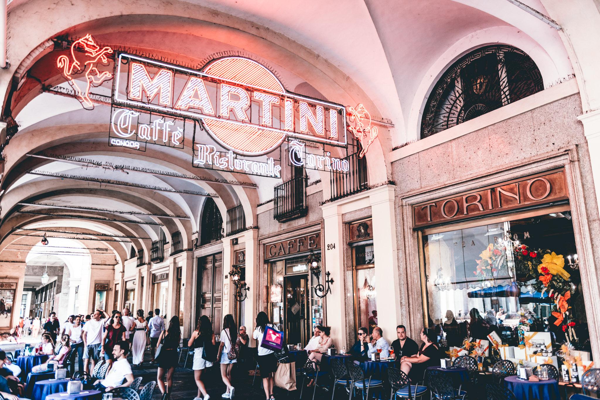 Italy : Turin : Caffe Torino, circa 1908