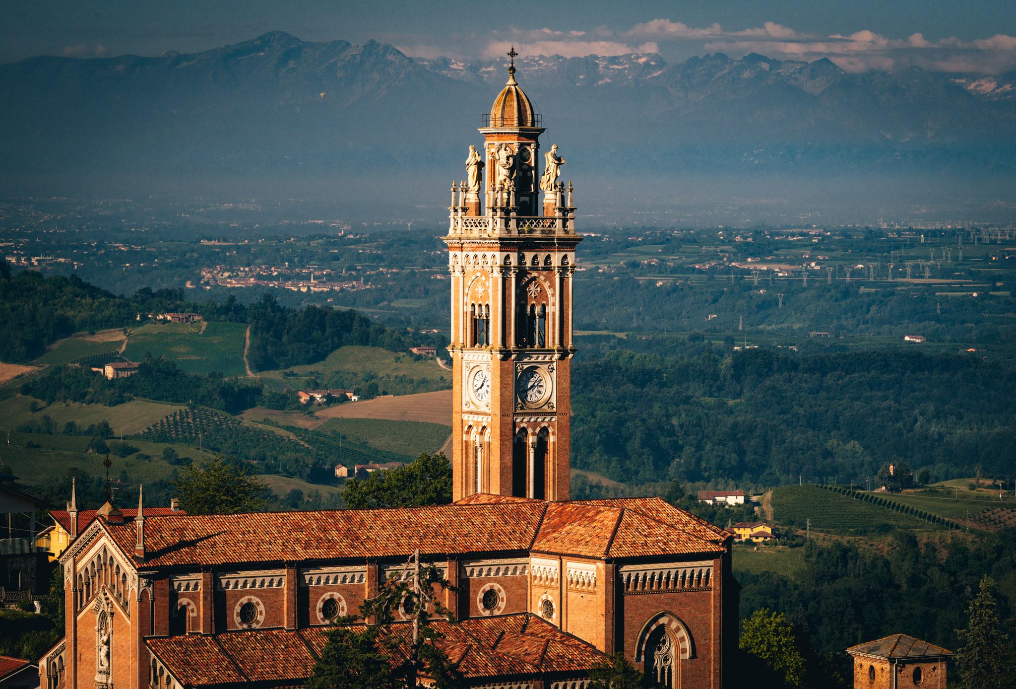 Italy : Piedmont : Monforte d'Alba