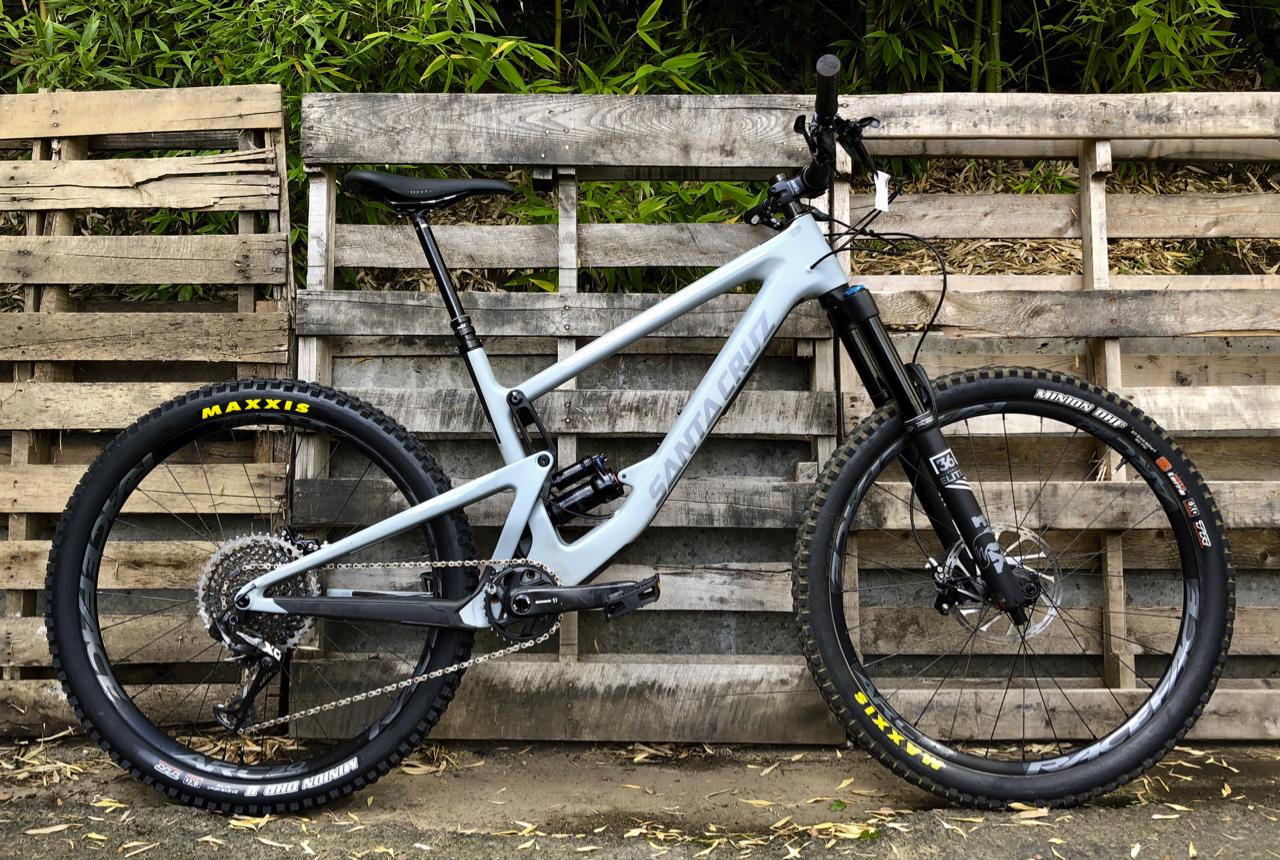 Santa Cruz Bronson CC X01+ (L) 19 Rental - WAS: $7,000 SALE: $5,400