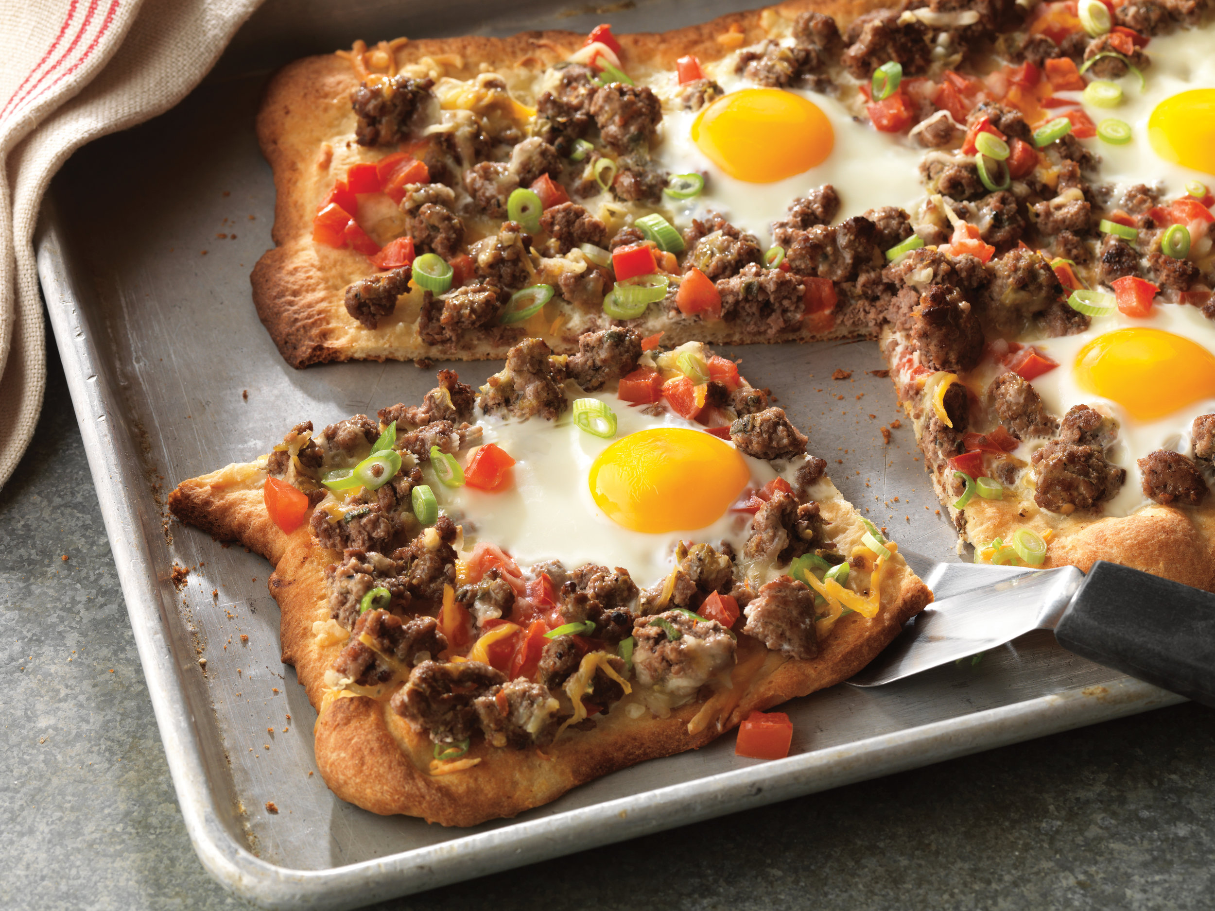 beef-breakfast-pizza-ole-horizontal.jpg