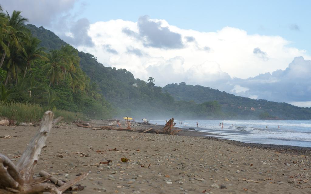 Christian-Schaffer-Costa-Rica-Dominical-Beach-Surf-002.jpg