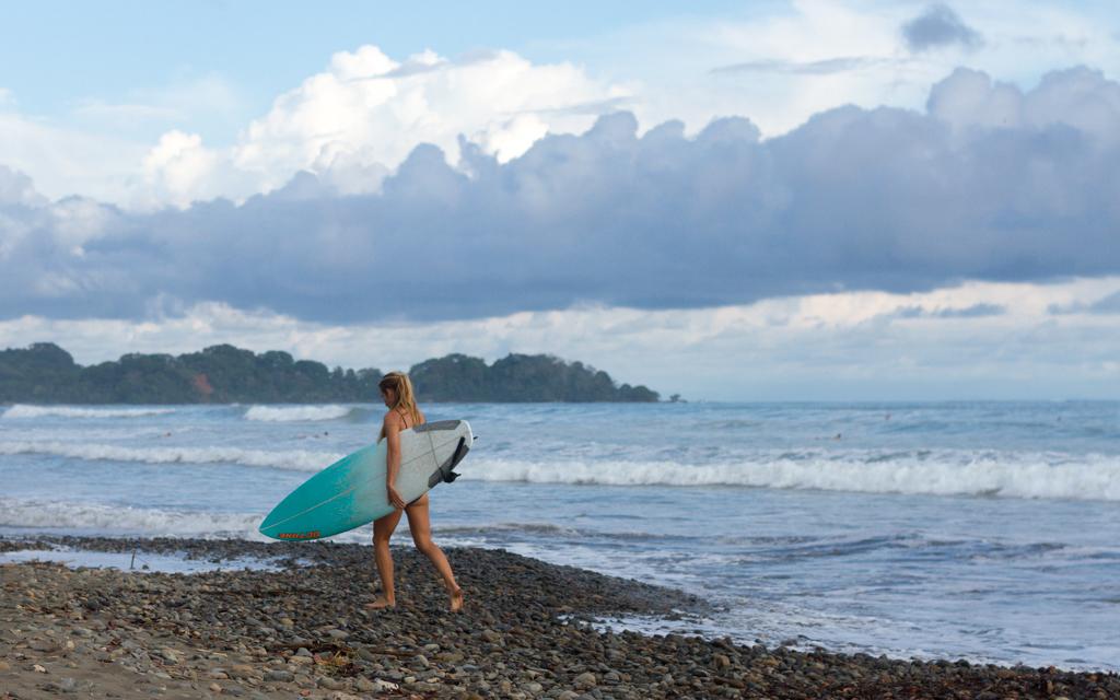 Christian-Schaffer-Costa-Rica-Dominical-Beach-Surf-001.jpg