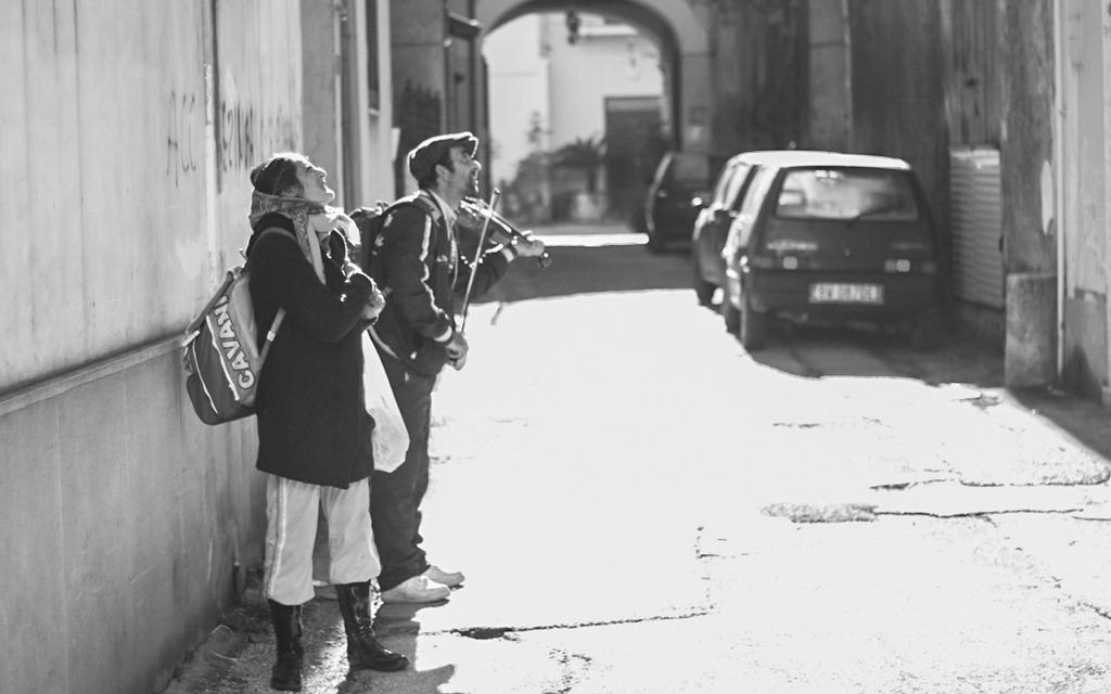 Justin-Dragon-Italy-Naples-Violin.jpg