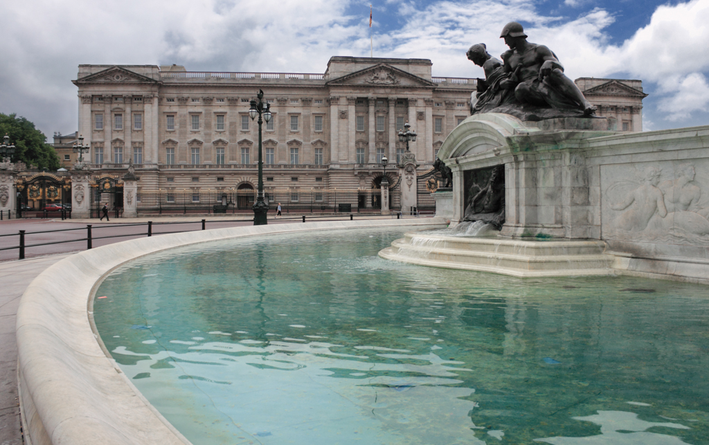 Christian-Schaffer-England-London-Buckingham-Palace.jpg