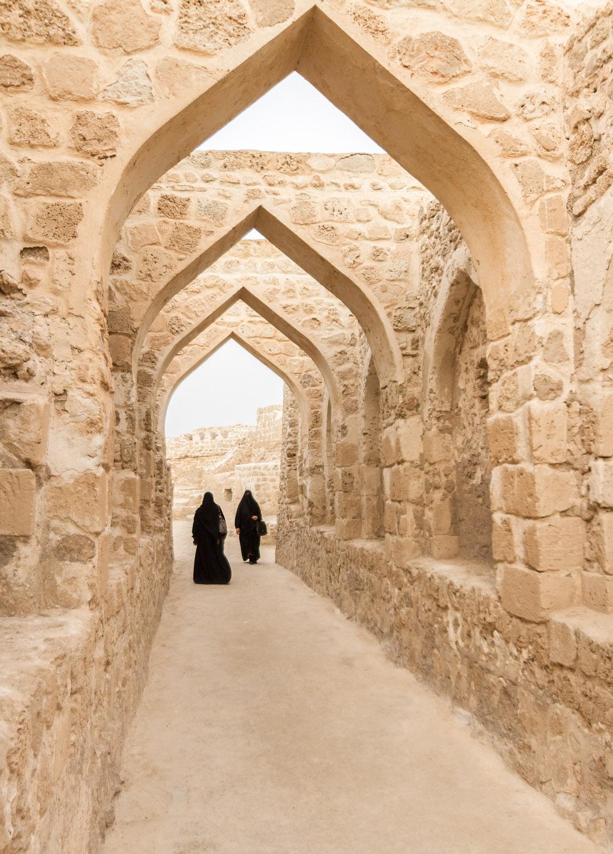 Christian-Schaffer-Bahrain-Fort-Manama-Burka.jpg