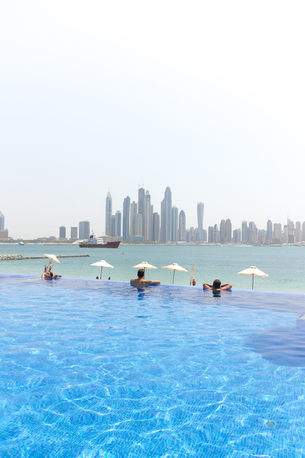 Christian-Schaffer-United-Arab-Emirates-Dubai-Pool.jpg