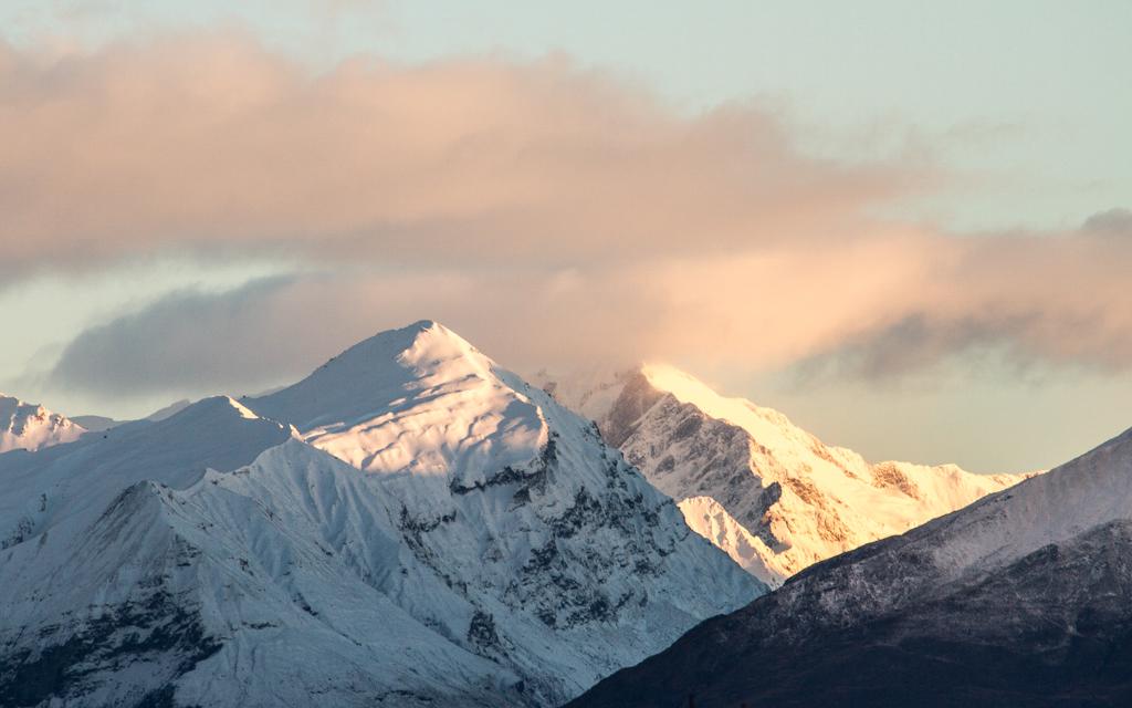 Christian-Schaffer-New-Zealand-Mountain-Winter-Sunrise.jpg