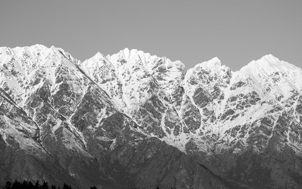 Christian-Schaffer-New-Zealand-Mountain-Winter.jpg
