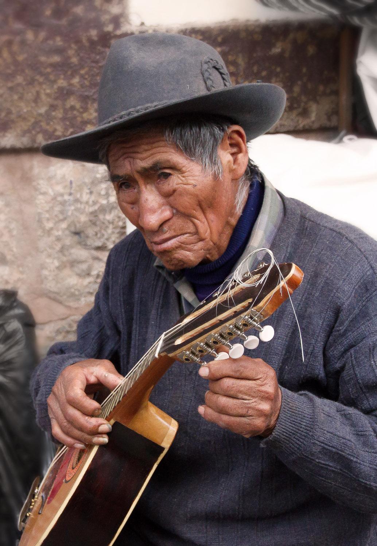 Christian-Schaffer-Peru-Cusco-Street.jpg