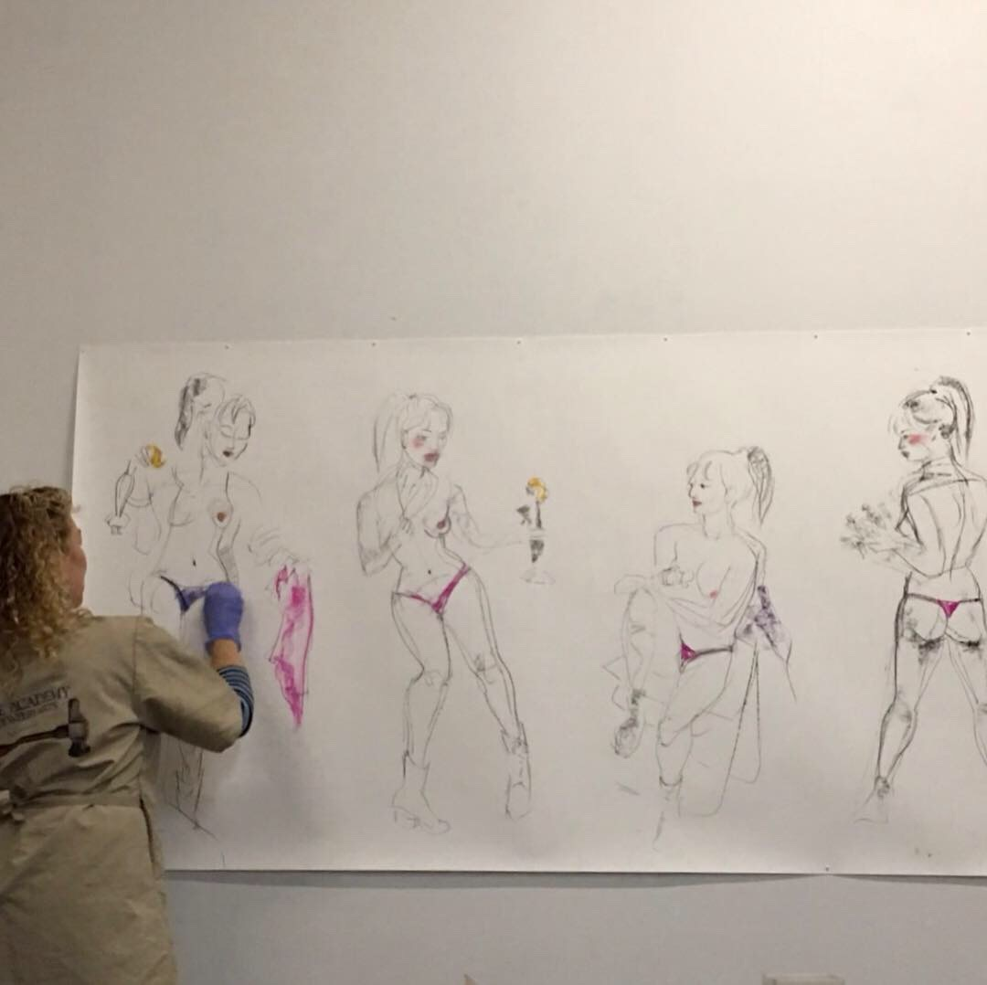 Here I'm drawing my model, Tami, at the residency studio. Working with short poses as always, but going non-digital this time.