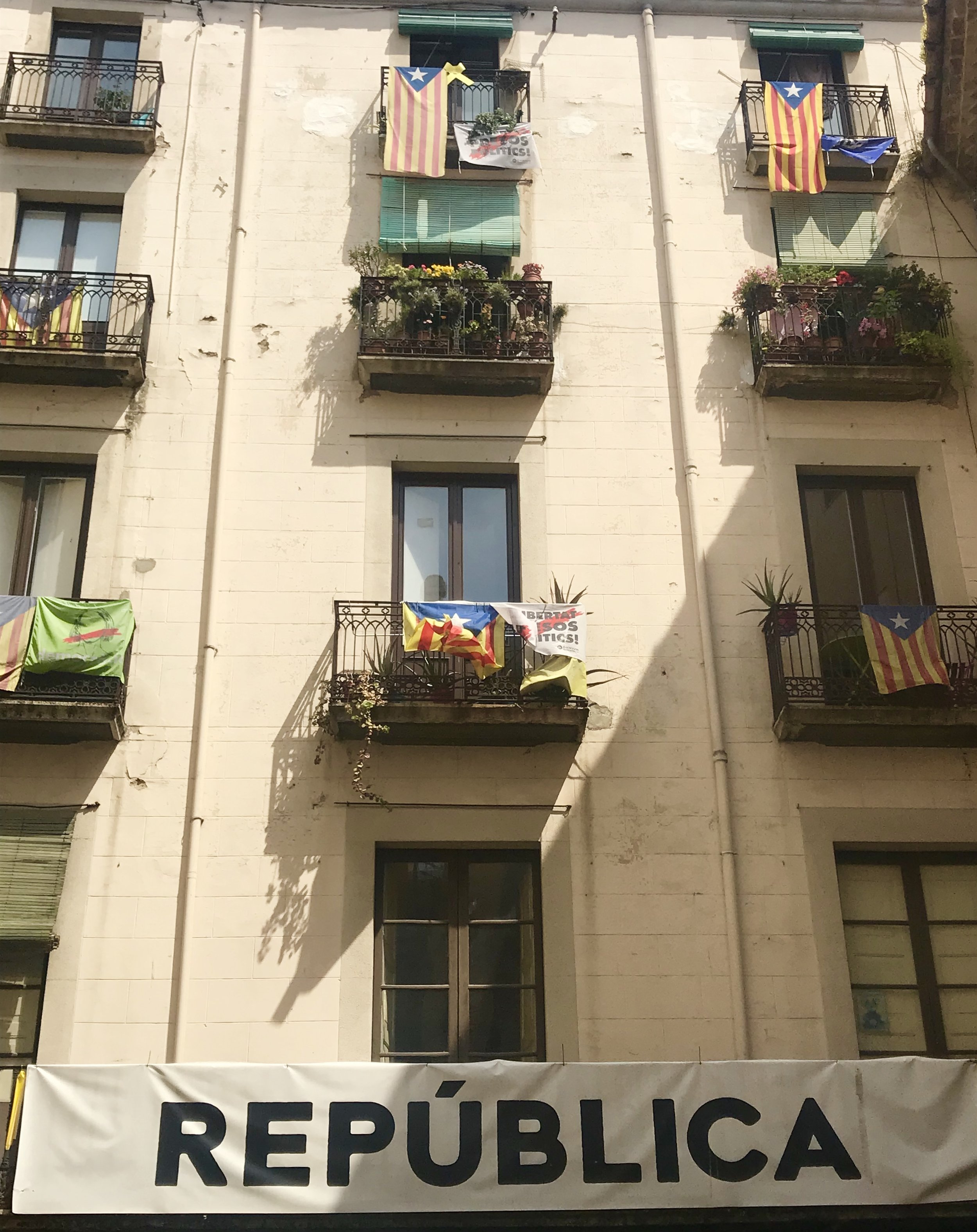 A rather large statement in the historic center of Girona. We are in the heart of the Catalan independence movement.