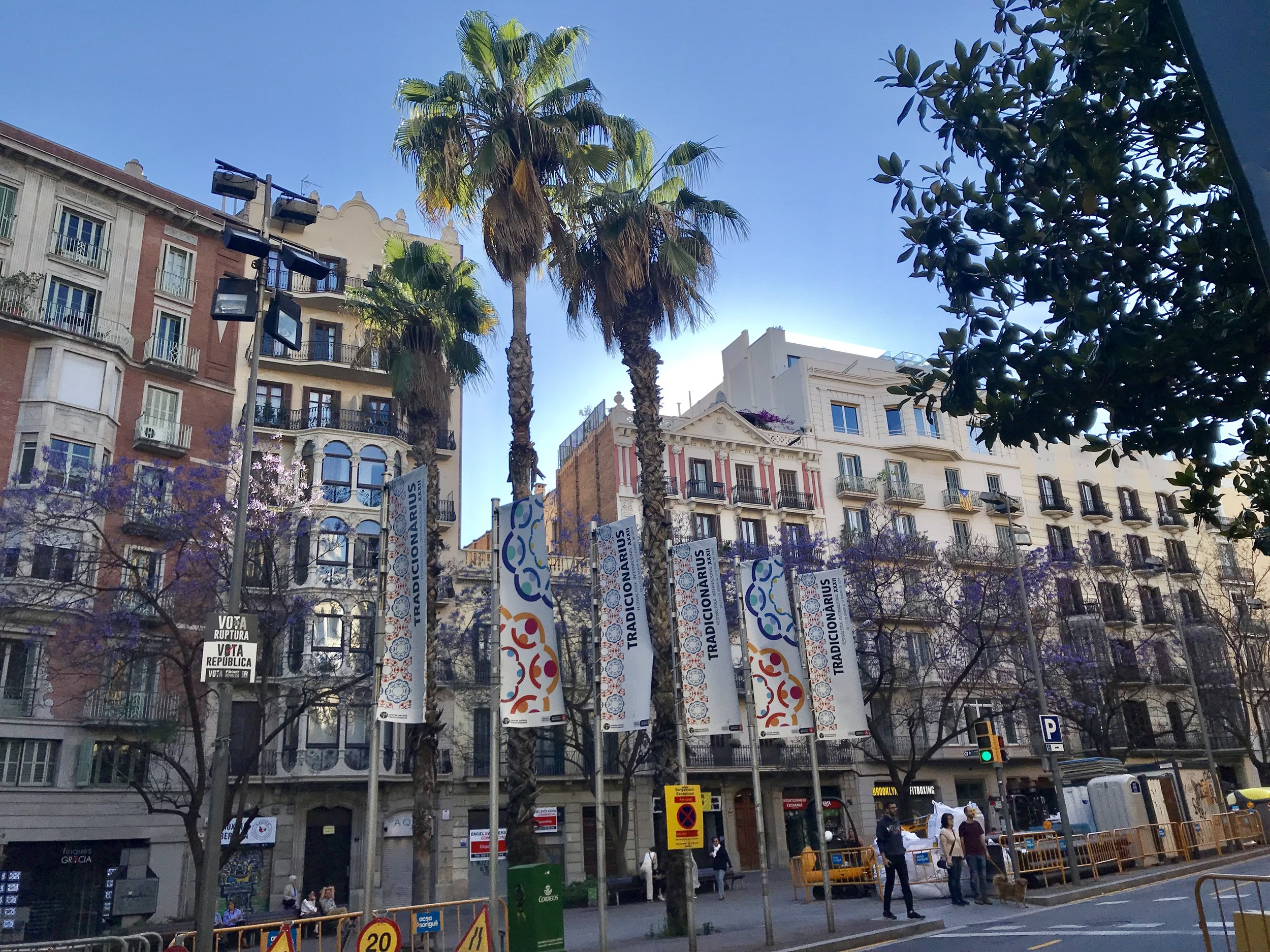 First impressions of Barcelona on day #1 with incredible light!