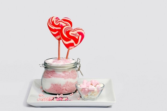 Heart shaped lollipop image used by Sweet I Do's Wedding Day Management Specialist