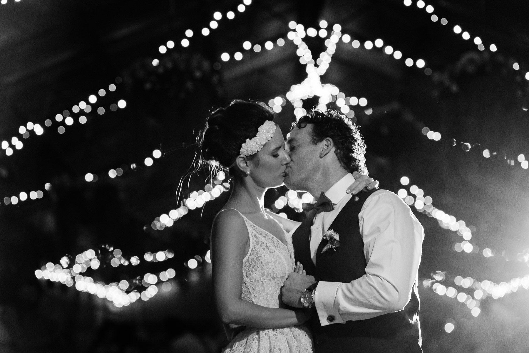 Melissa_and_Kristan_Echuca_Farm_Wedding_New_Years_Eve-123.jpg
