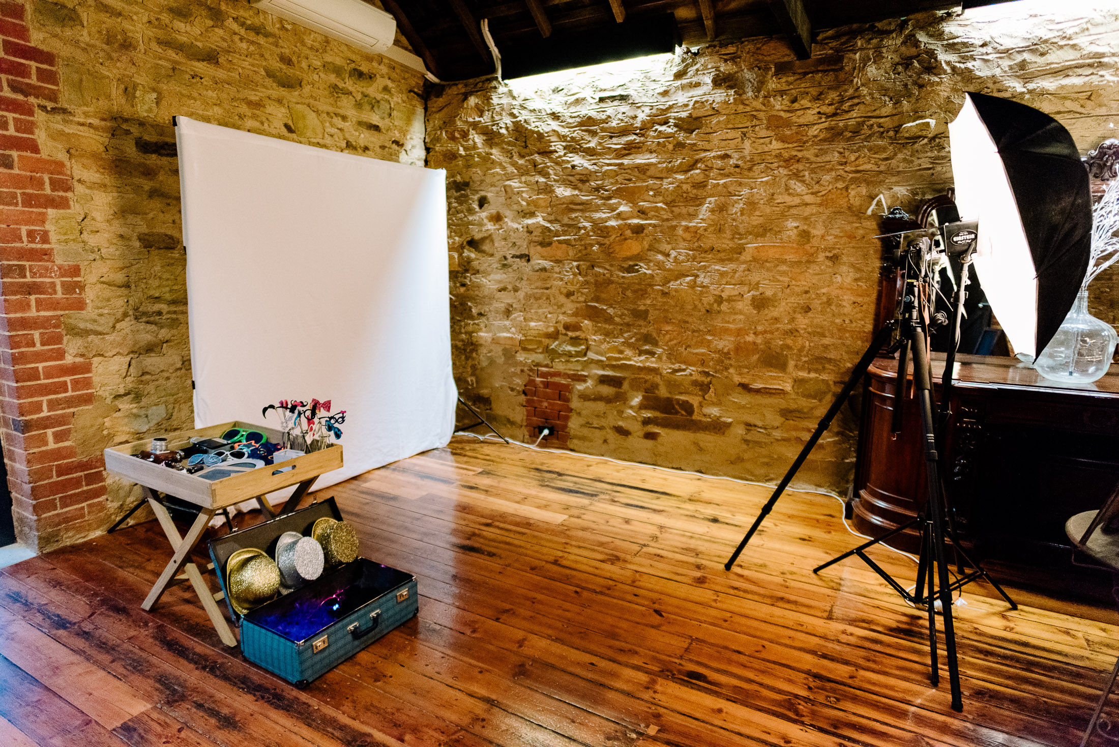 Chateau Dore Photo Booth by Justin and Jim Photographers - Bendigo