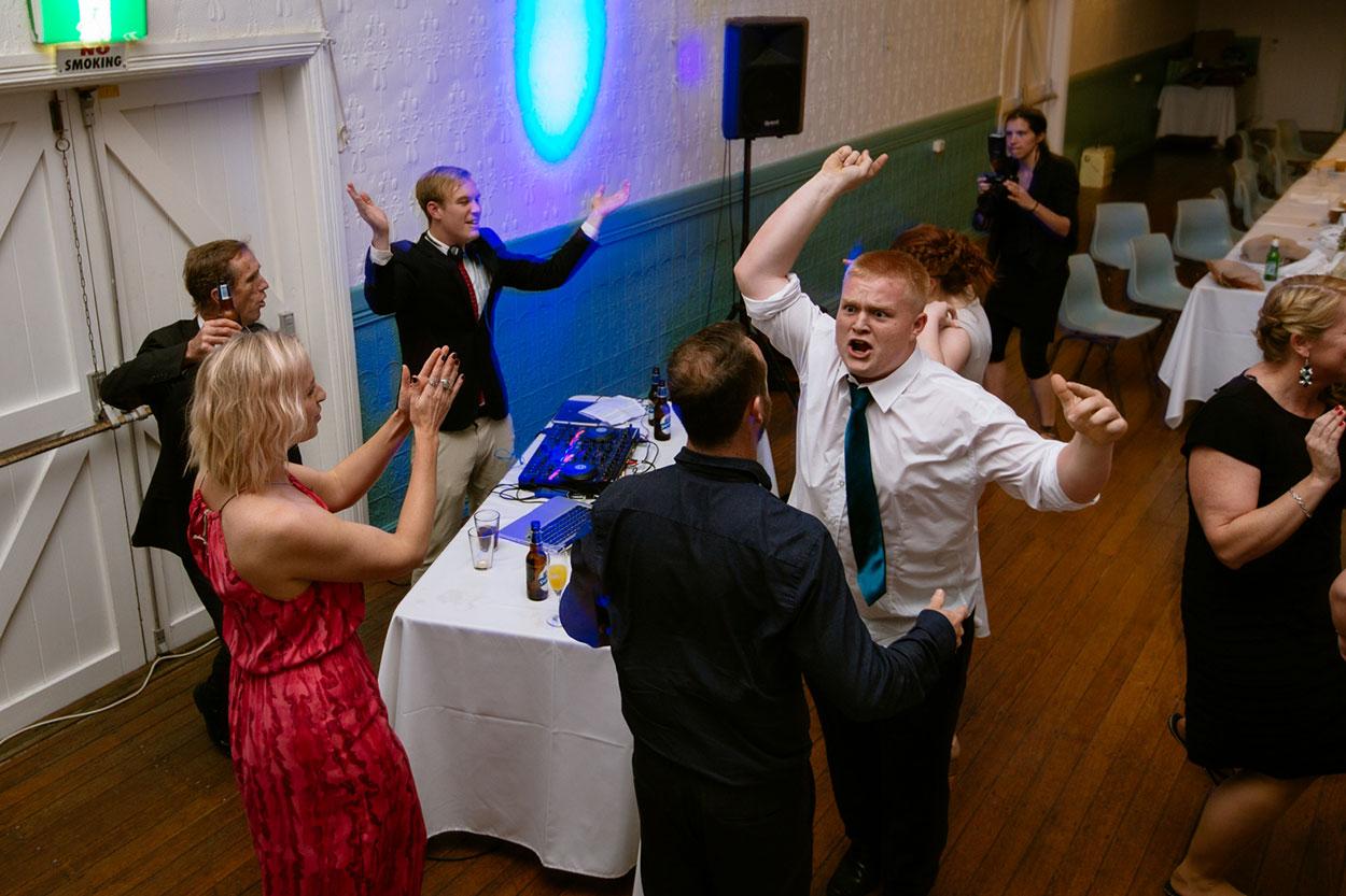 Top Award Winning Maleny Wedding Photographers - Sunshine Coast, Australian Hinterland Photos Packages
