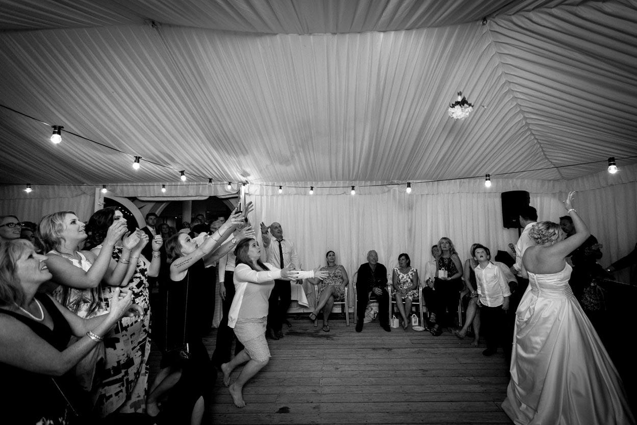 sunshine-coast-wedding-photographers-noosa-maleny-mooloolaba-maroochydore-glasshouse-mountains-hinterland-best-eco-friendly-photos-brisbane-queensland-australia-046.jpg