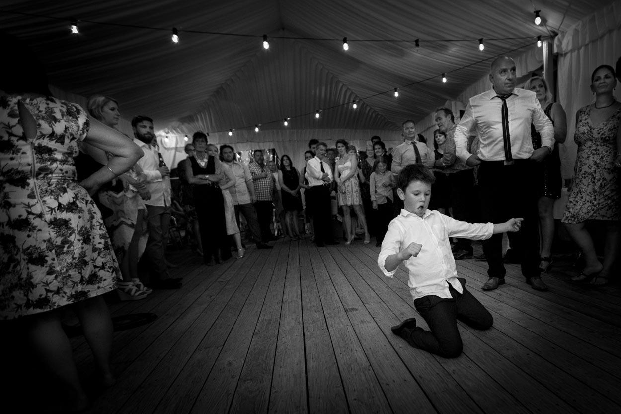 sunshine-coast-wedding-photographers-noosa-maleny-mooloolaba-maroochydore-glasshouse-mountains-hinterland-best-eco-friendly-photos-brisbane-queensland-australia-047.jpg