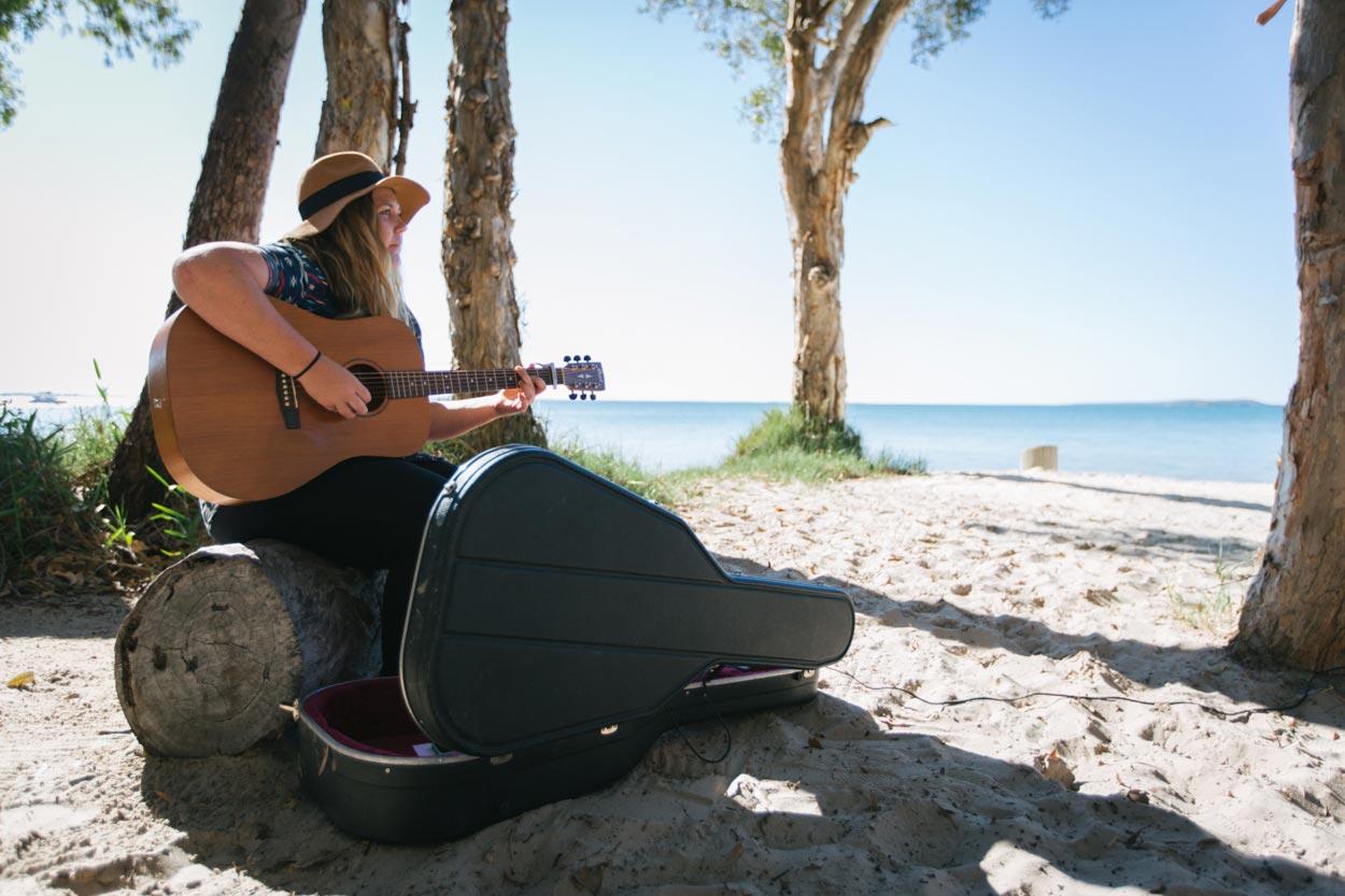 Wedding Entertainer and Singer - Sunshine Coast Photographer