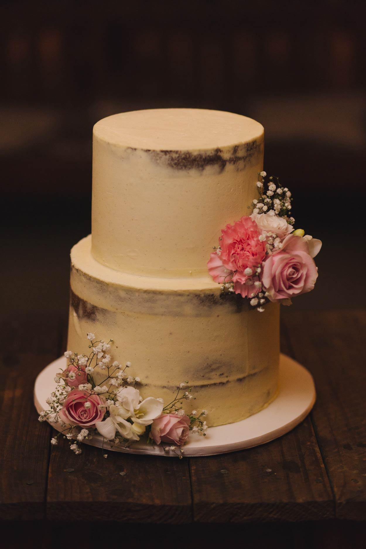 Yandina Station Wedding Cake, Maleny - Brisbane, Byron Bay, Australian Pre Wedding Photographers