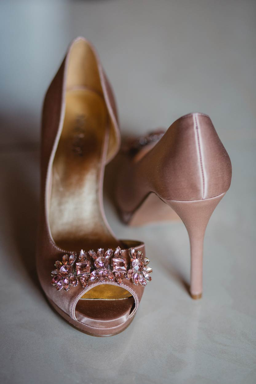 Top Brisbane, Sunshine Coast Wedding Shoes - Gold Beach, Queensland, Australian Destination Photographers
