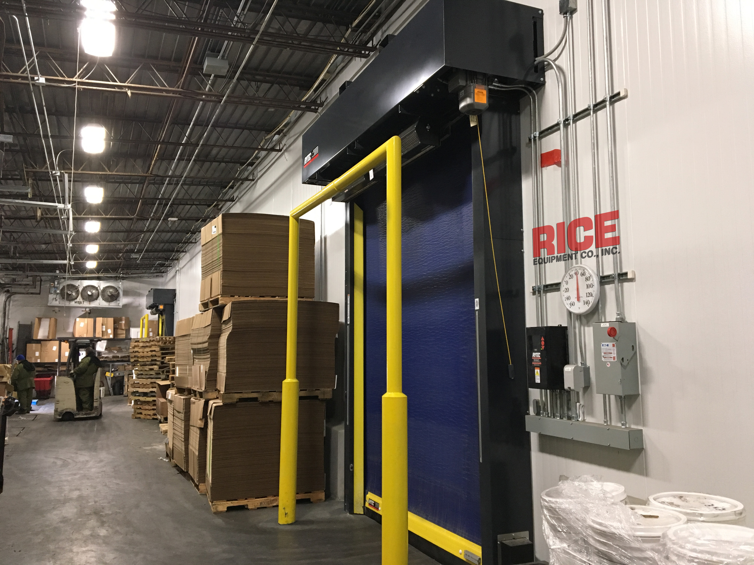 We handle high-speed doors of all types: Coiling, Sliding, Impactable, Freezer, Cold Storage, Pharmaceutical, Food, Industrial, Warehouse, Manufacturing.
