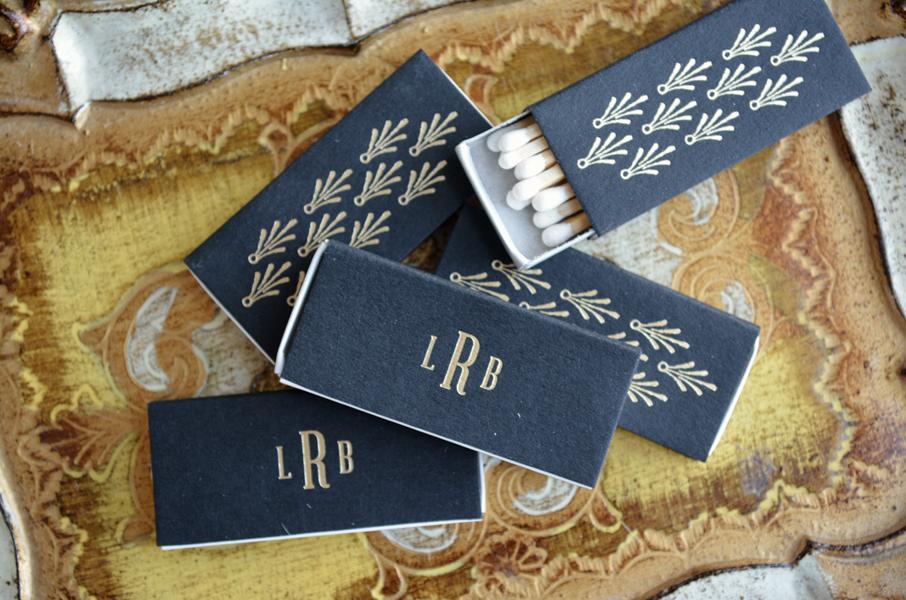 gold-foil-matchbook-wedding-favors.jpg