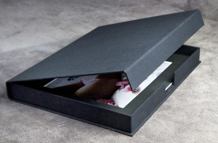 """11 x 14"""" Charcoal Linen Portfolio Case"""