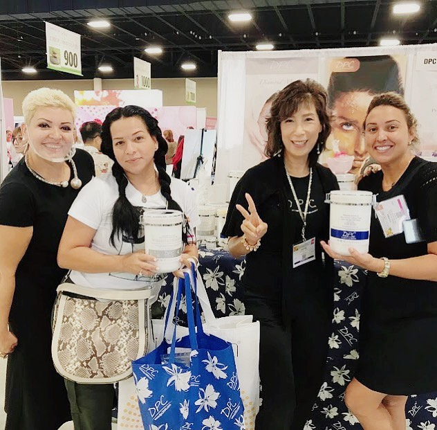 The DPC team was thrilled to meet the gorgeous @spayaima_sanchez on day 2 of the @iecsc spa show! Come by and see us!  #beauty #skincare #facials #facialmask #italymade #professionalproducts #masks #powdermasks #treatments #spa #dpcmasks #spaproducts #bestskincare #esthetician #aesthetics #flspashow #spashow #iecsc