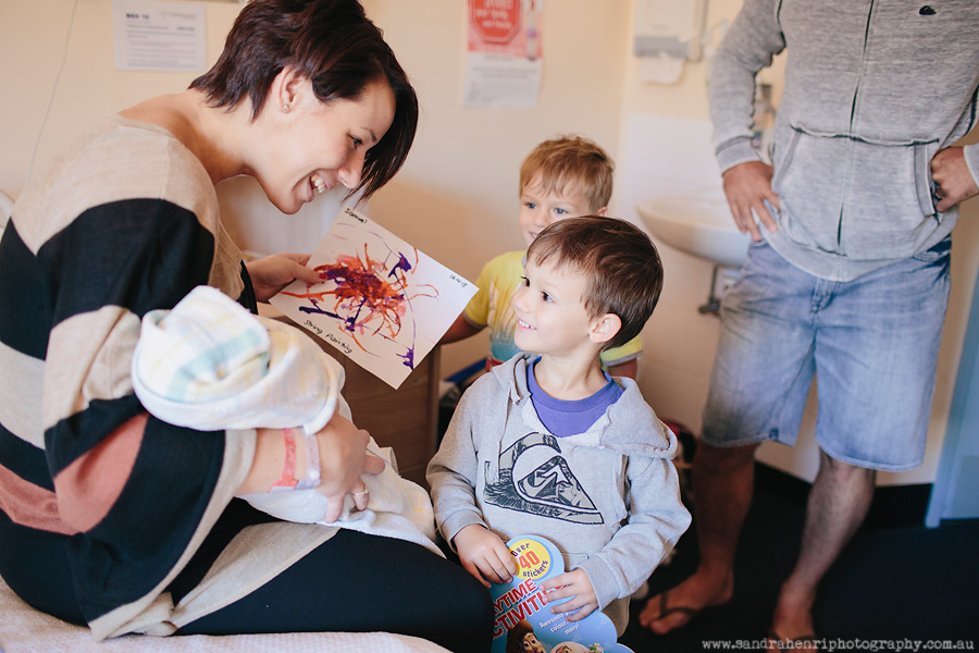 In-hospital-newborn-photos-6.jpg
