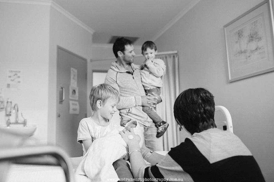 In-hospital-newborn-photos-10.jpg