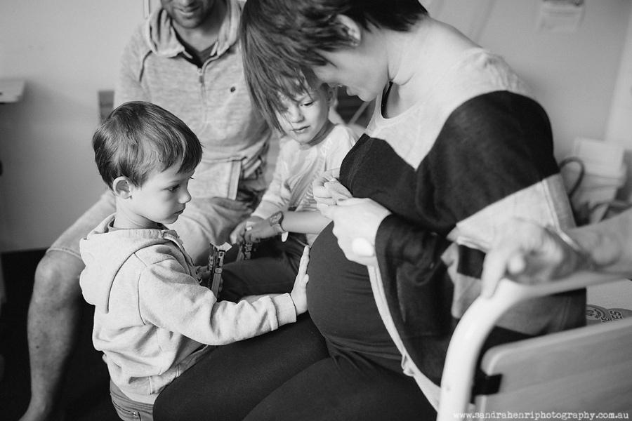In-hospital-newborn-photos-14.jpg