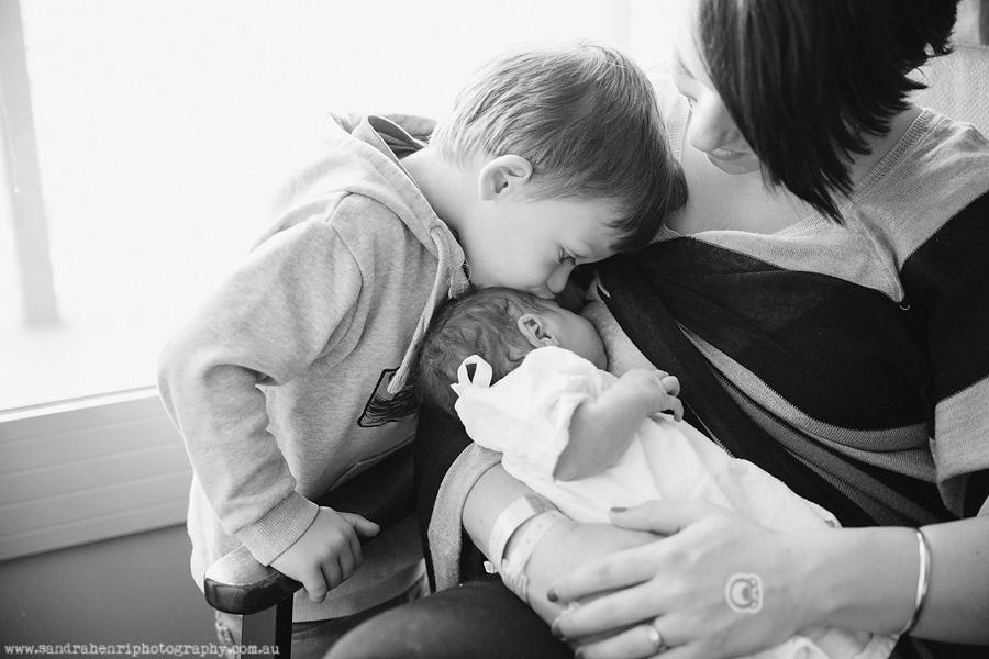 In-hospital-newborn-photos-38.jpg