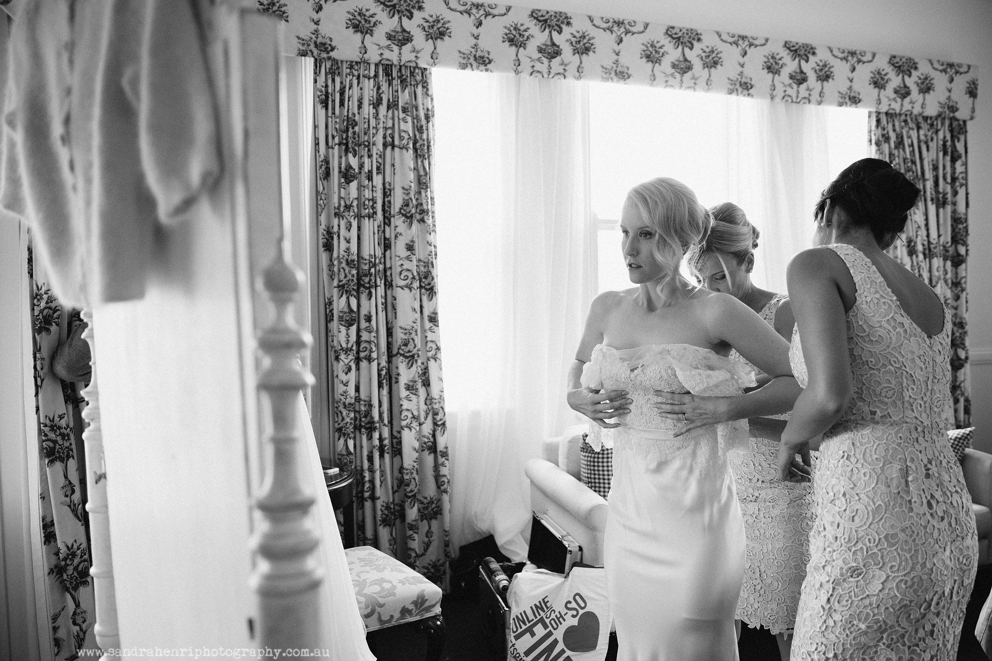 Roberts-Restaurant-garden-wedding-images-7.jpg