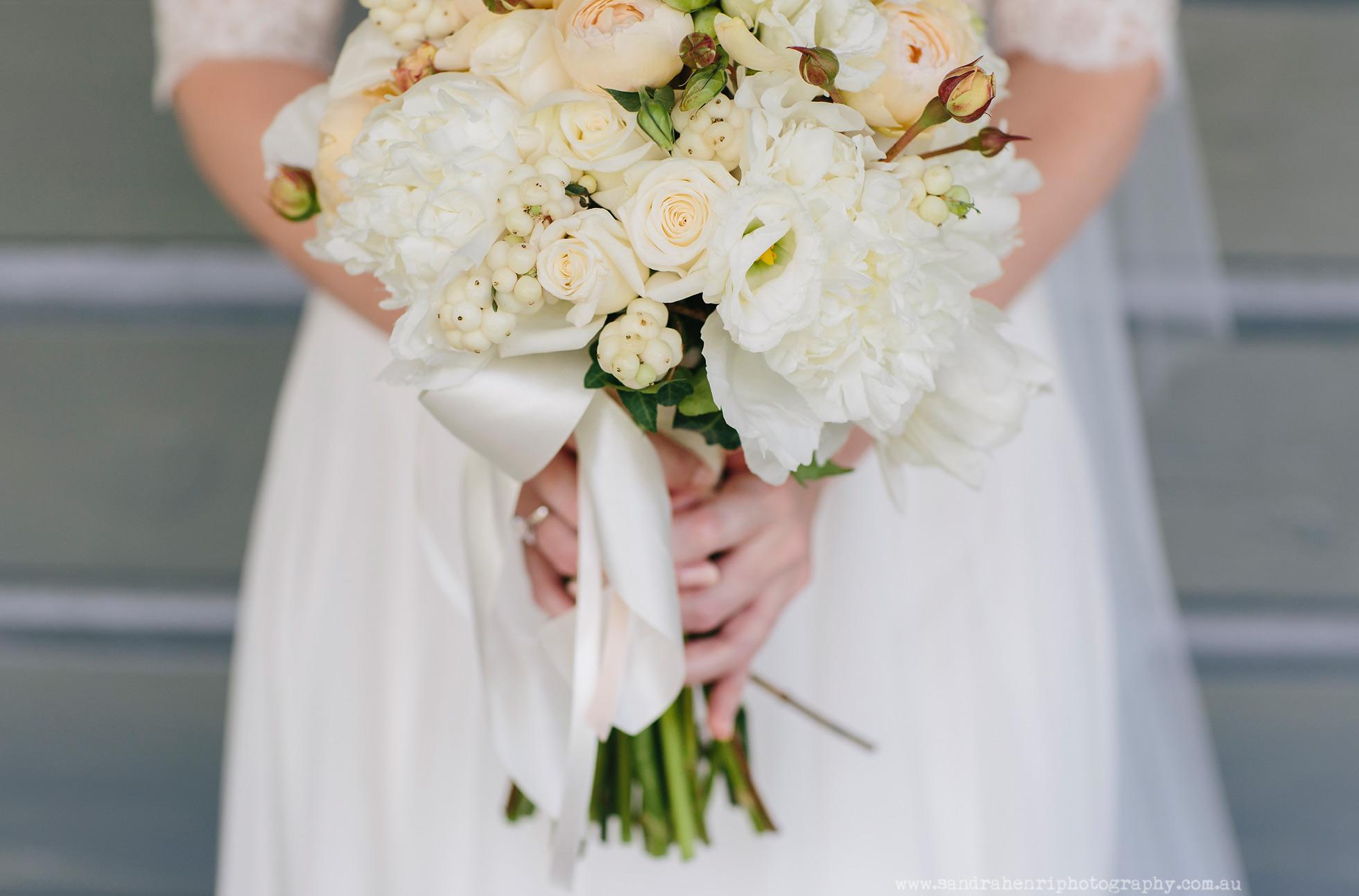 Roberts-Restaurant-garden-wedding-images-14.jpg