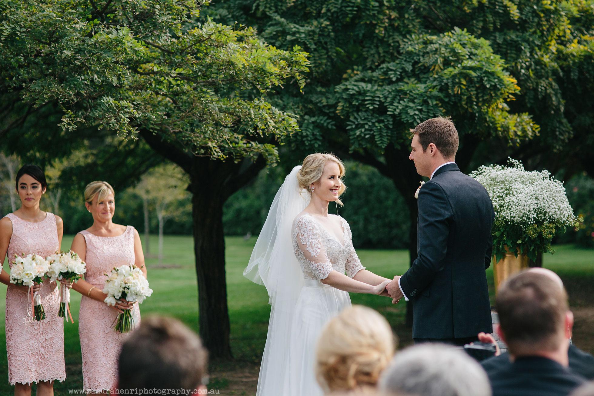 Roberts-Restaurant-garden-wedding-images-16.jpg