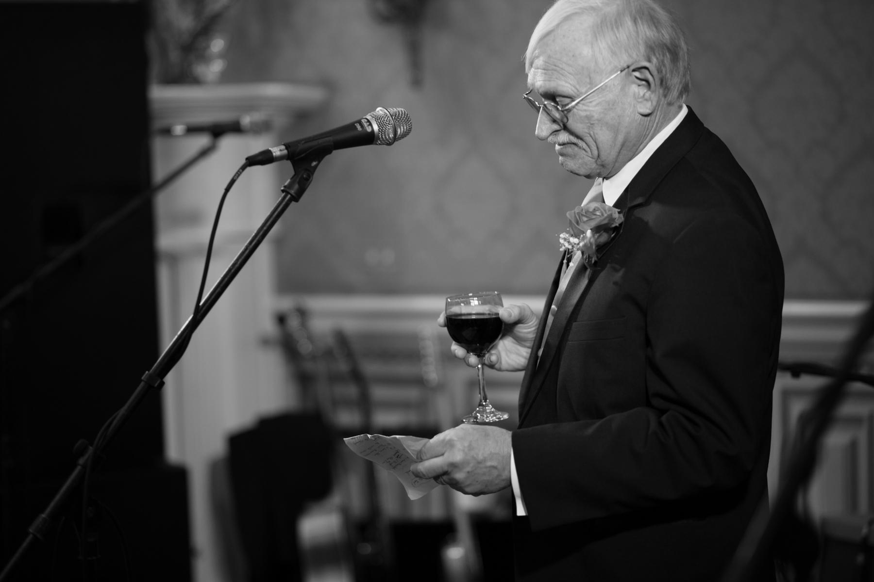 Emotional father toast at Oaklands Mansion