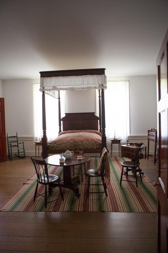 bedroom-travellers-rest-plantation.jpg